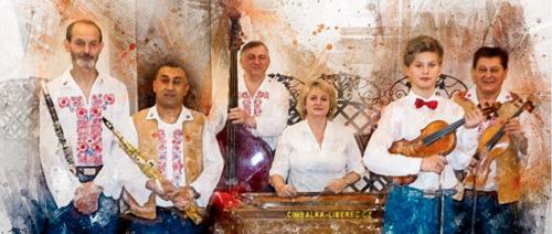 Cimbálovka Dušana Kotlára na benefičním koncertu