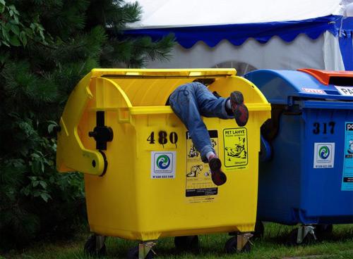 Stánek s recyklovanými odměnami