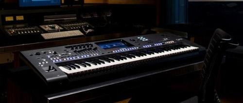 Nové profesionální klávesy Yamaha Genos